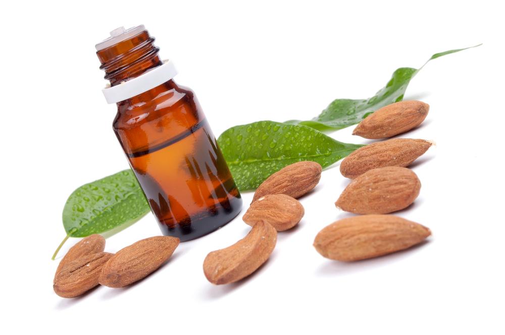 Combinação de óleo de amêndoas e vitamina E